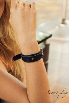 Algema / Bracelete Myrina em couro - Secret Play