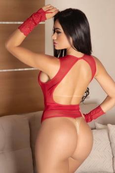 Body sofisticado em tule e renda vermelho fio dental