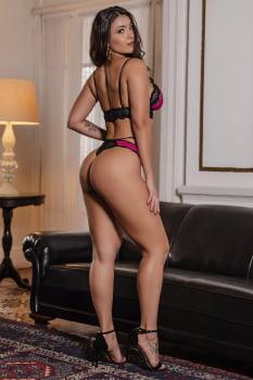 Conjunto strappy renda preto e pink