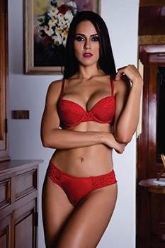 Conjunto vermelho de calcinha e sutiã sexy em tule e renda